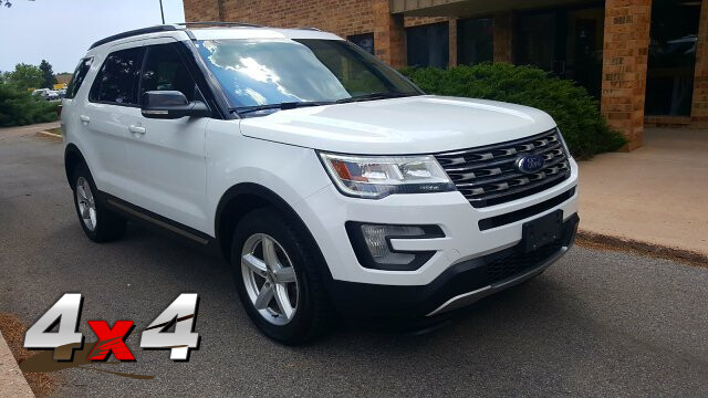 2016 Ford Explorer XLT 4WD - 7 Passenger - 3rd seat - Nice !