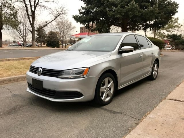 2012 Volkswagen Jetta TDI 6-Speed Automatic